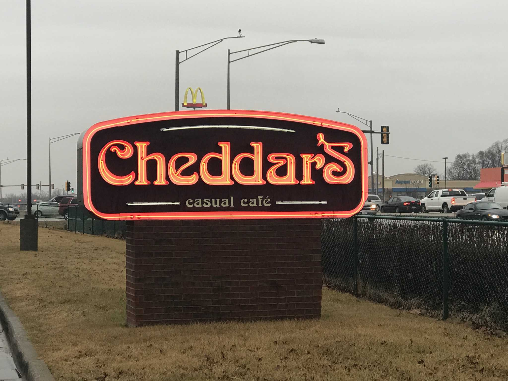 Cheddar's in Forsyth sells a variety of food for a good price, and it has a great atmosphere  anyone will enjoy.