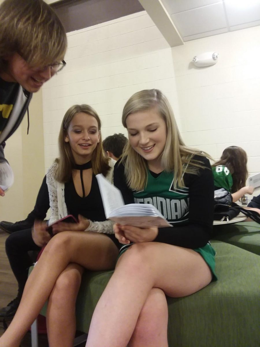Gates discusses script with Desiray Tackett and Jake Deetz.