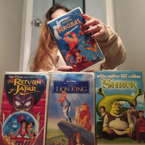 The VHS versions of DreamWorks and Disney movies. Among them, Shrek, The Lion King, Aladdin (The return of Jafar) and Hercules.